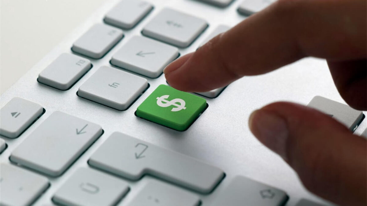 SEO face bani pe internet
