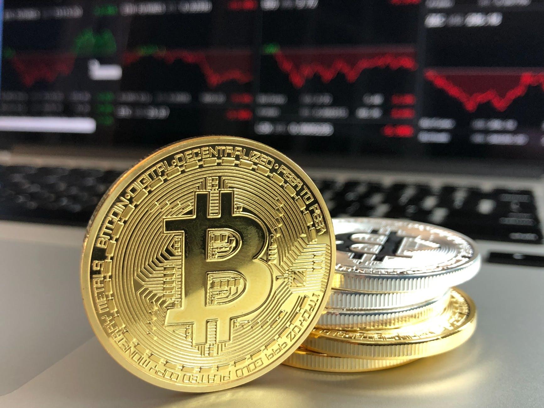monedă bitcoin numerar