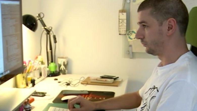lucrează de acasă pe internet
