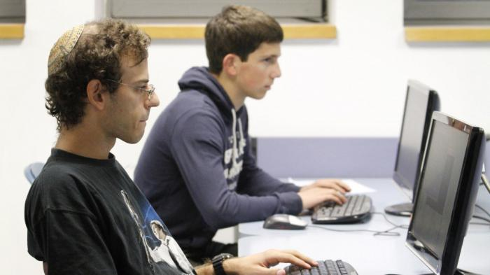 lucrați pe internet fără investiții pentru persoanele cu dizabilități